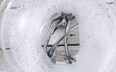 629px-Clean-Kitchen-Cabinet-Knobs-Step-5
