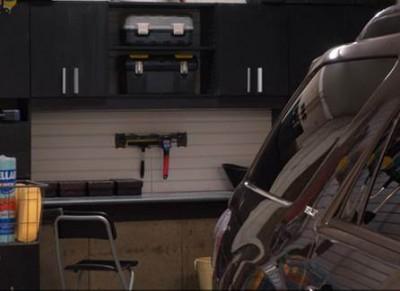 uloženie náradia v garáži