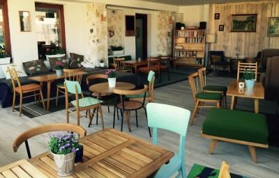 retro-kaviaren-leharo-letna-veranda